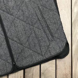 Calvin Klein Jackets & Coats - CALVIN KLEIN Grey & Black Quilted Zip Up Vest
